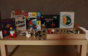 système solaire, espace, le loup qui avait la tête dans les étoiles, éditions auzou, milan jeunesse, blog planete parentage, table de jeu, invitation à jouer et découvrir autour de l'epace